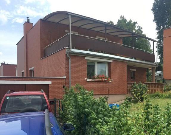 Podej 1/2 domku v atraktivní lokalitě blízko centra Zlína